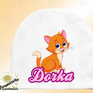 Sapka névvel cica vörös